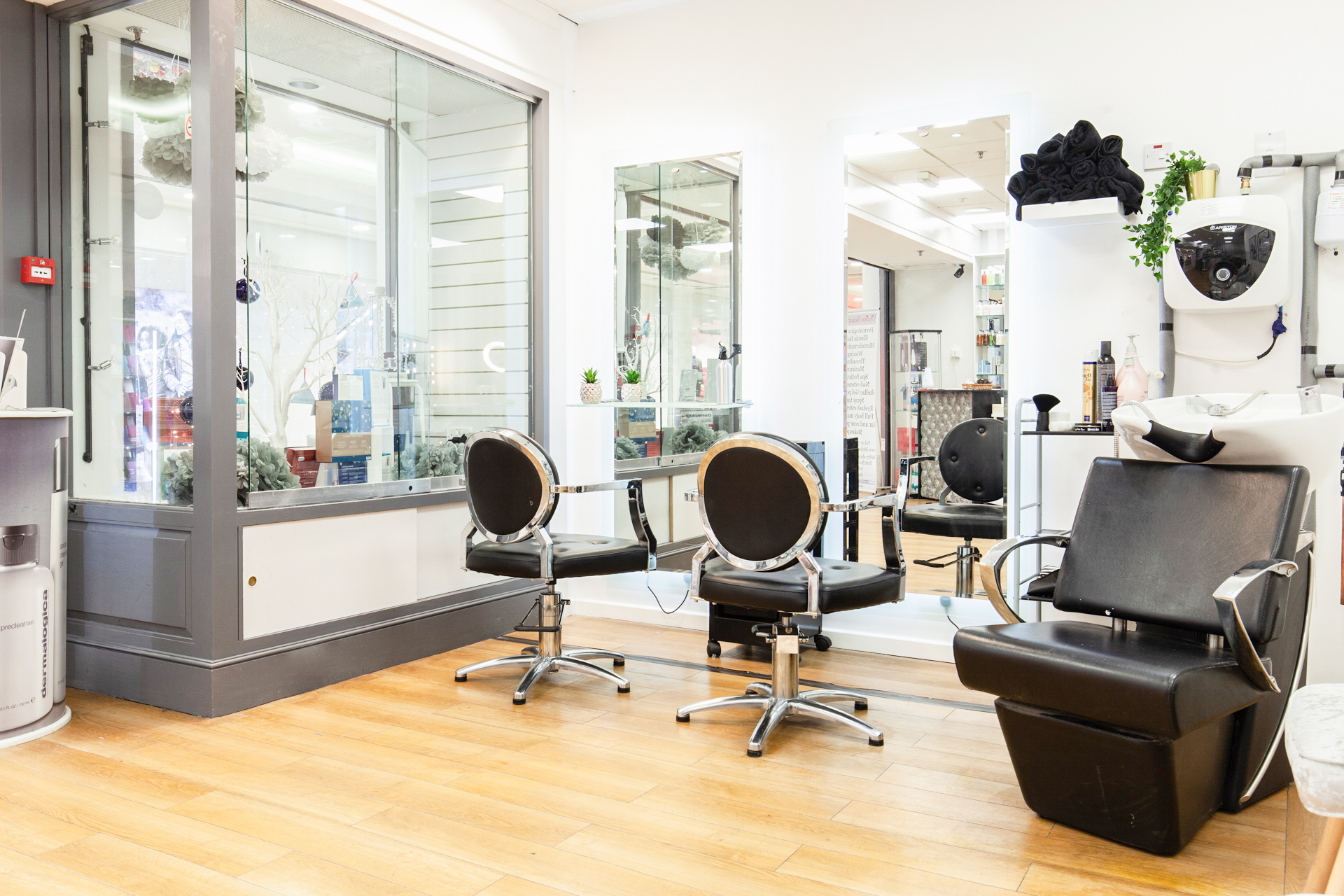 Lifeline Beauty Hair and Makeup in Redhill